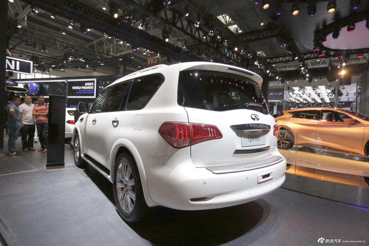 2014(第十三届)北京国际汽车展览会于4月21日至29日在中国国际展览中心新馆(天竺)正式向观众开放,本届车展全球跨国汽车公司悉数到场,室内展馆17个加上室外展场总面积达23万平方米。图为:英菲尼迪QX80
