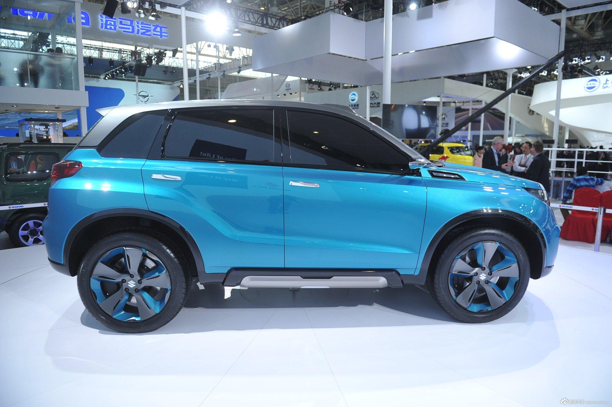 2014(第十三届)北京国际汽车展览会于4月21日至29日在中国国际展览中心新馆(天竺)正式向观众开放,本届车展全球跨国汽车公司悉数到场,室内展馆17个加上室外展场总面积达23万平方米。图为:2014款铃木iv-4