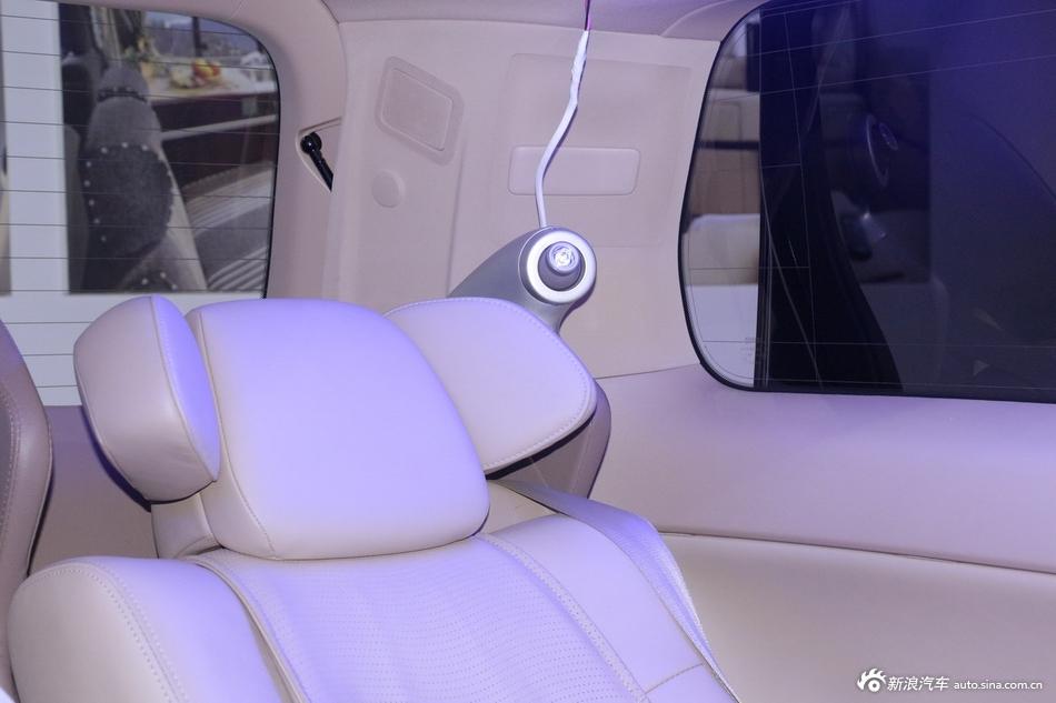 2014年第12届广州国际车展 图为:埃尔法