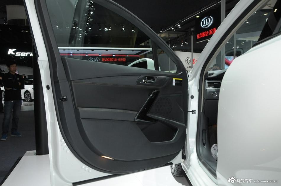 2014年第12届广州国际车展 图为:标致508