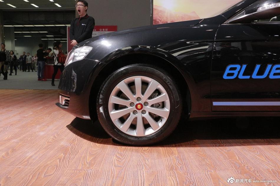2014年第12届广州国际车展 图为:红旗H7混动版