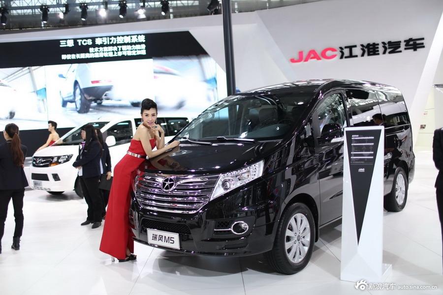 2014年第12届广州国际车展 图为:江淮 瑞风M5