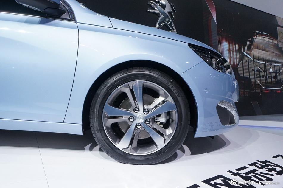 2014年第12届广州国际车展 图为:2015款标致308S