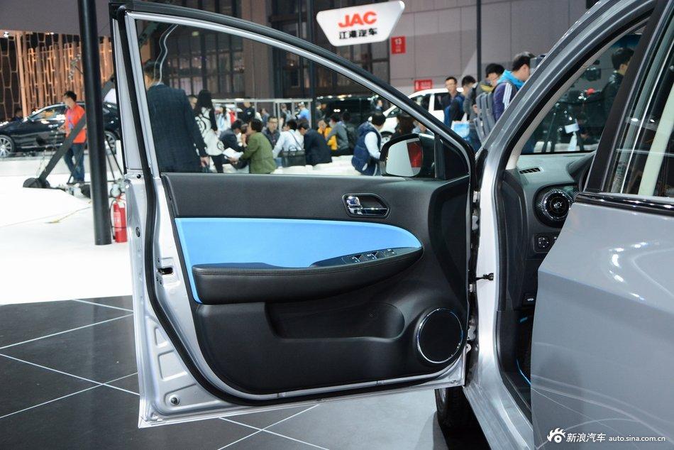 2015上海车展:瑞风A33