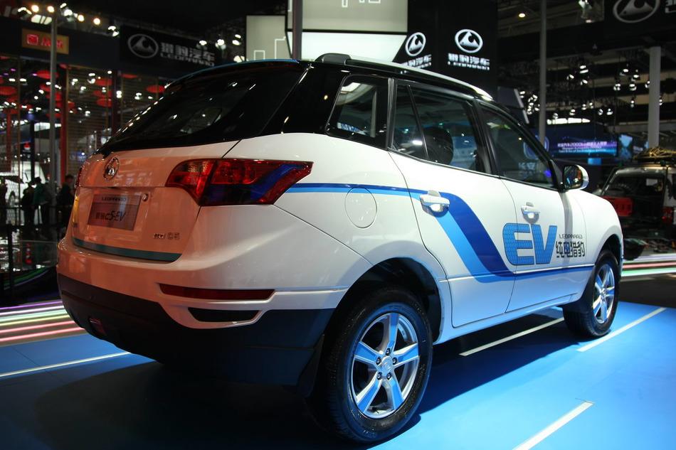 2016北京车展实拍:猎豹C5 EV