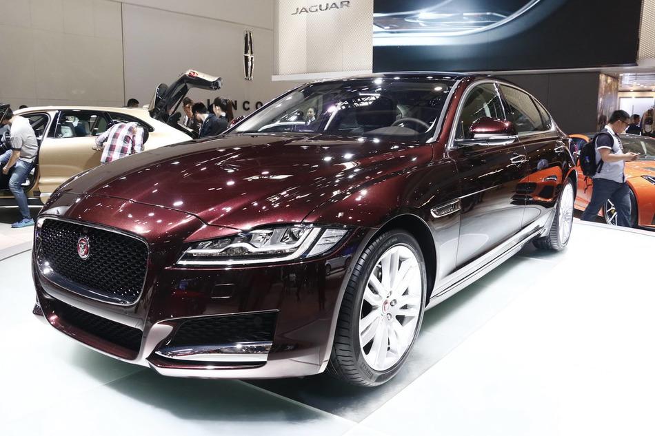 2016北京车展实拍:捷豹XFL