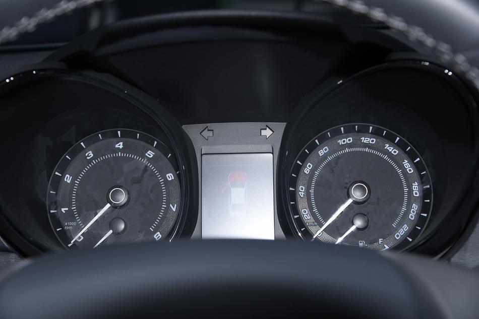 奇瑞艾瑞泽7e新能源促销中,最高直降6.26万,新车全国11.73万起!