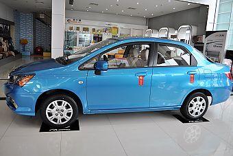 2014款理念1.3L手动舒适型 巴黎蓝