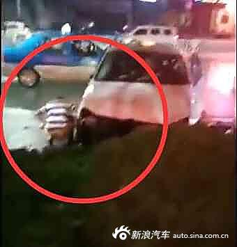 姨妈酒驾撞人在裤子身旁脱不好小便脾气大伤者女生少女图片