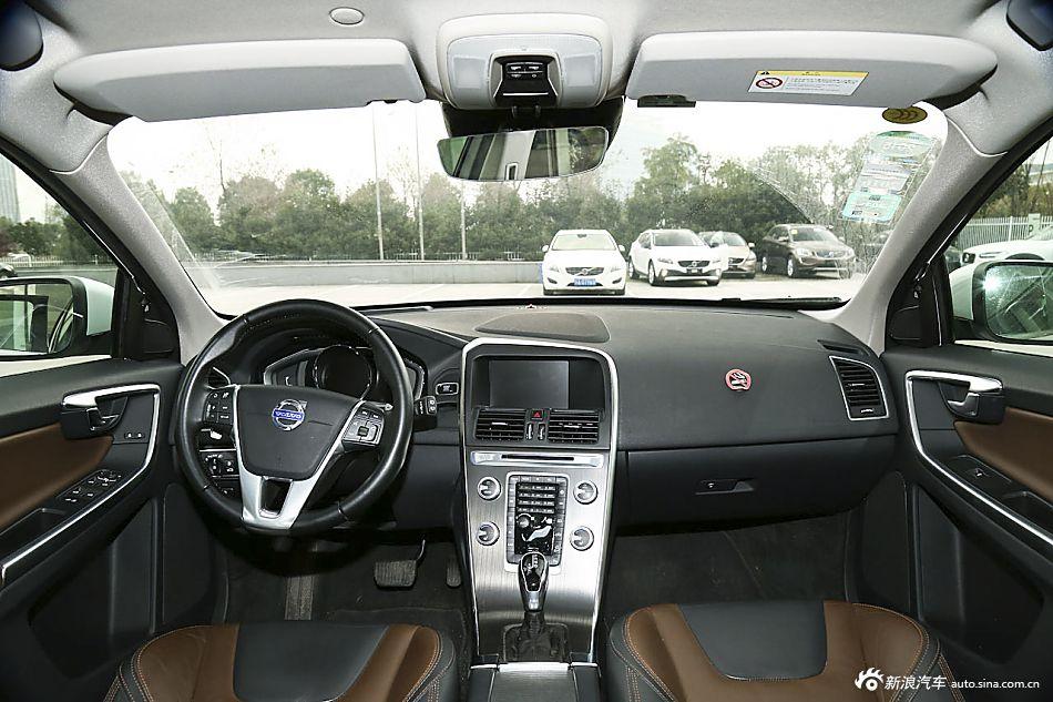 2016款沃尔沃XC60 2.0T自动 T5 AWD智驭版