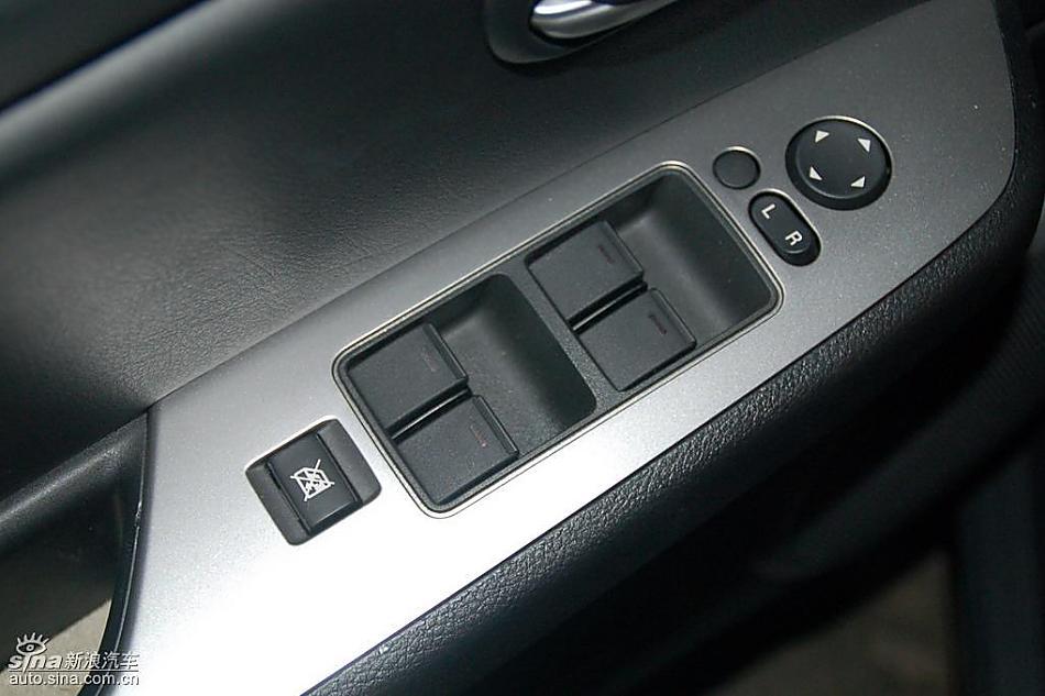 下一图集新宝来sportline图解图片说明:Mazda6睿翼内饰实拍图2008-高清图片