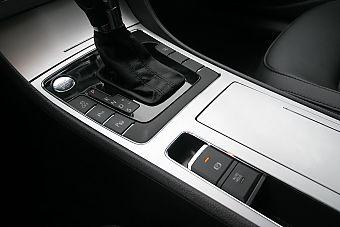 2011款全新帕萨特2.0T至尊版内饰