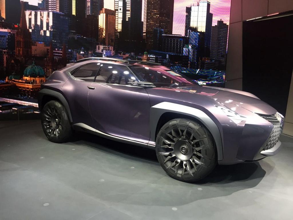 巴黎车展:雷克萨斯UX概念车