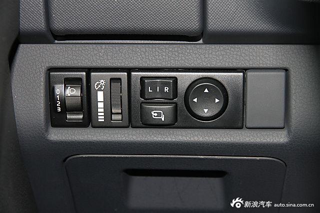 2015款五十铃mu-X 3.0T自动四驱尊享型