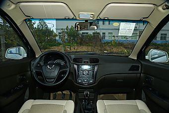 2015款五菱宏光S 1.5L手动超值版