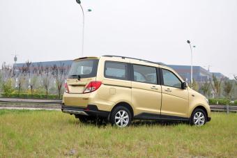 2015款金欧诺1.5L手动豪华型