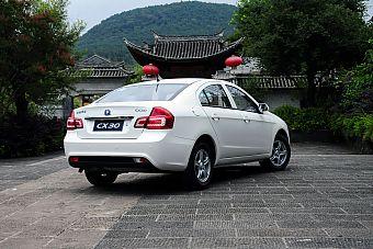 2011款CX30三厢实拍