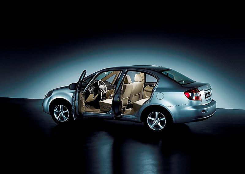 """sx4  2006年11月18日,长安铃木首款中级轿车""""天语sx4""""(内部代号为""""yy5"""