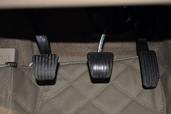 2013款凯越1.5L手动经典型 钛银