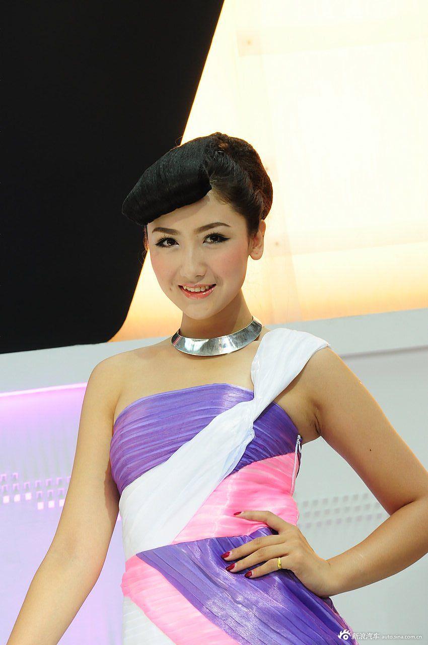 2012银川车展美女模特高清图图片
