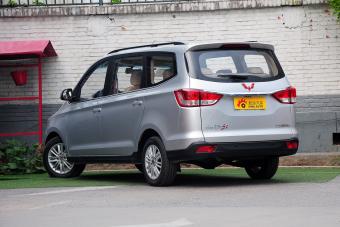 2015款五菱宏光S1 1.5L舒适型