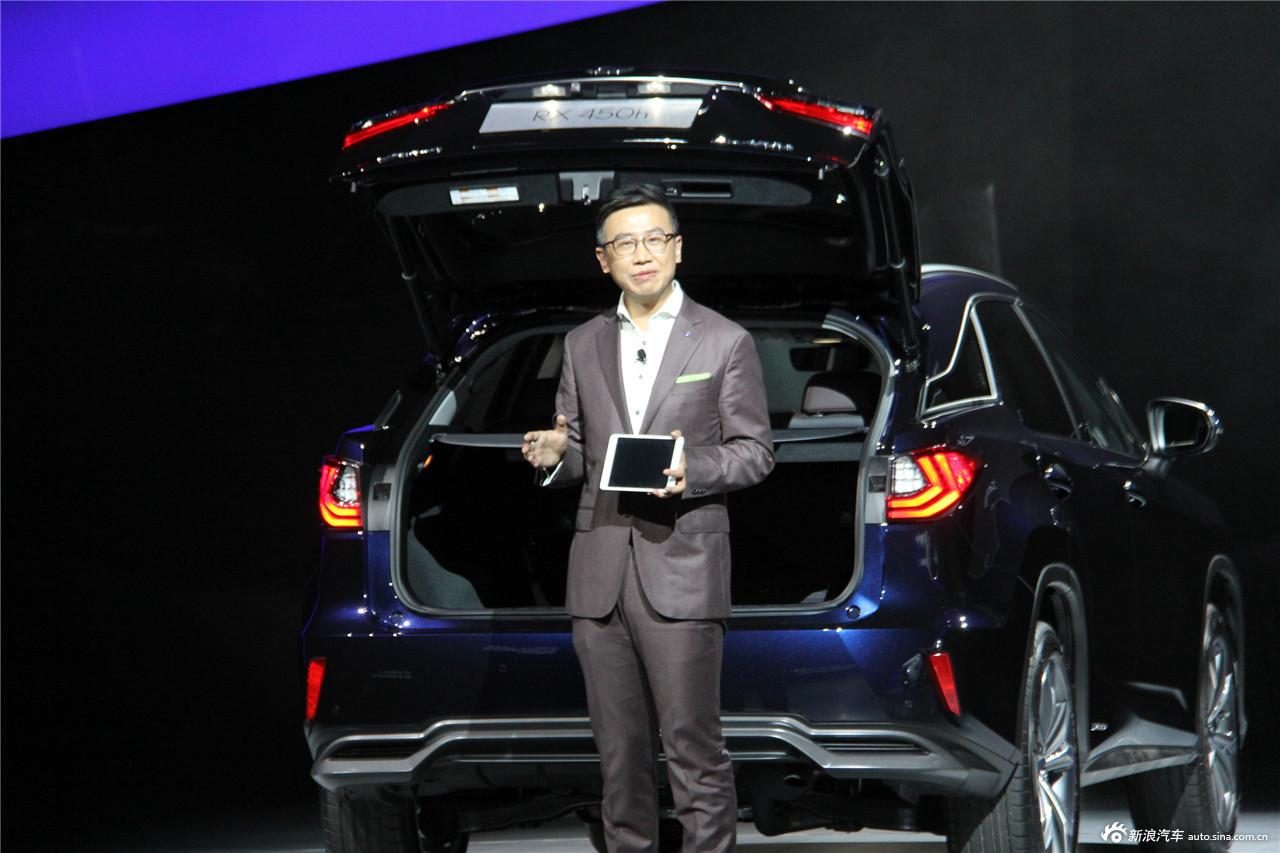 11月12日晚,雷克萨斯在深圳宝安体育中心正式宣布旗下全新雷克萨斯RX正式上市。新车共推出8款车型,售价区间为41.80-86.90万元。