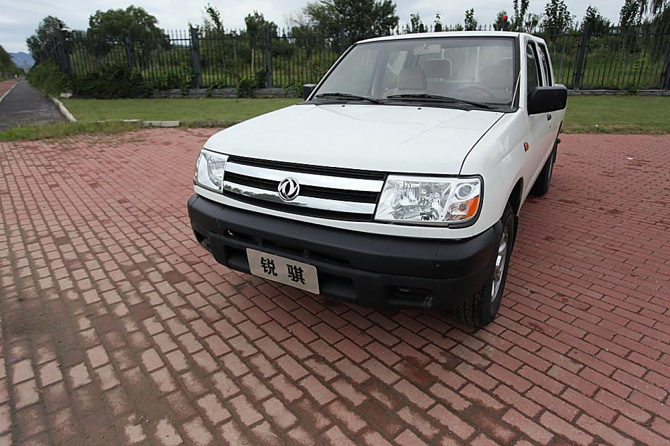 新浪汽车试驾郑州日产汽油版锐骐皮卡高清图片