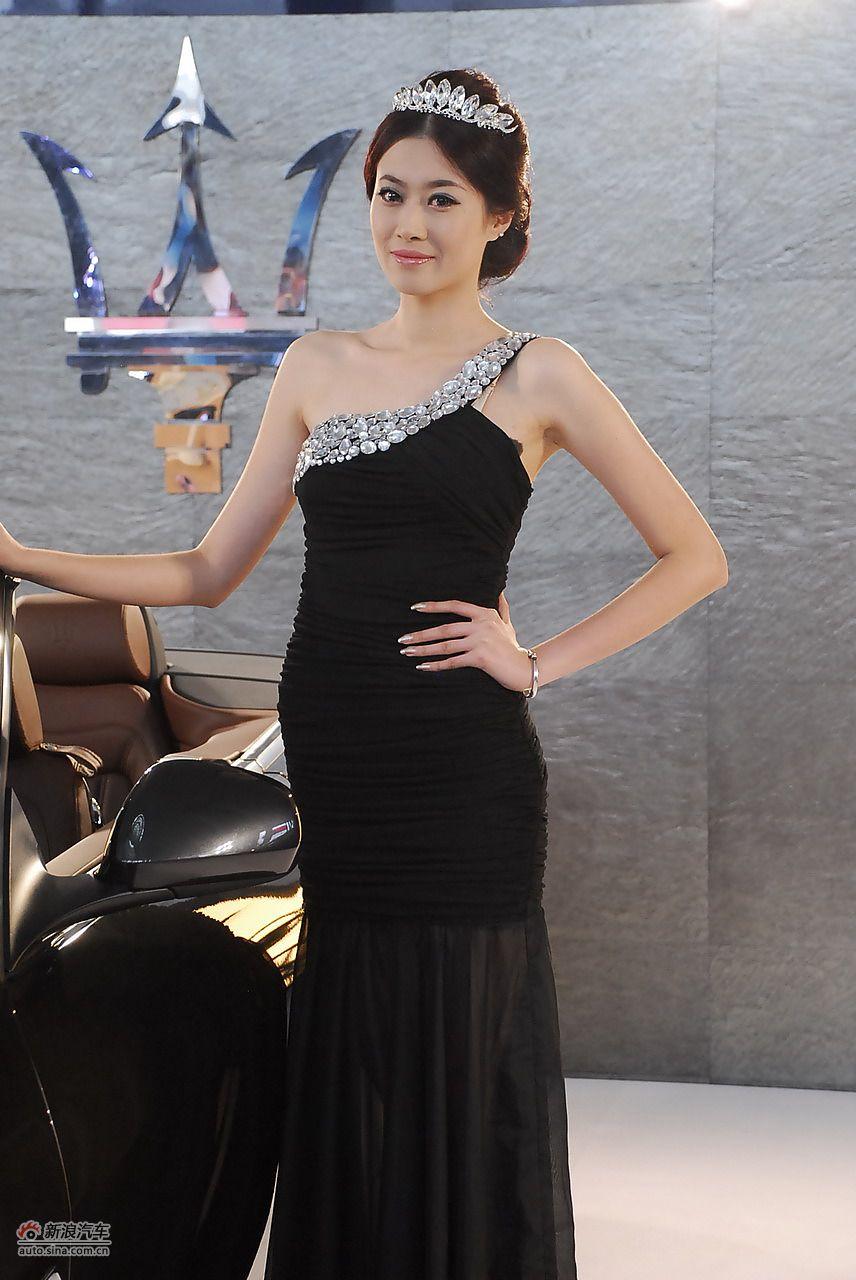 2011青岛国际车展模特