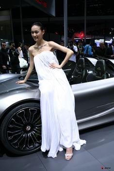 2010北京车展清纯车模_3