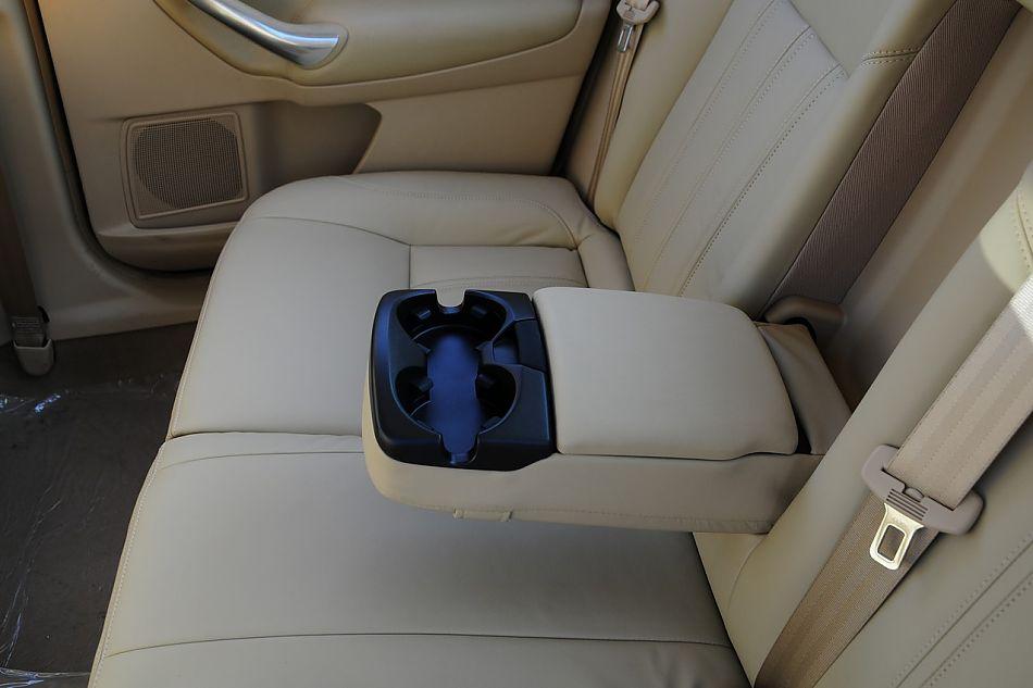 2010款蒙迪欧致胜致胜至尊型内饰 蒙迪欧致胜座椅空间图片222403高清图片