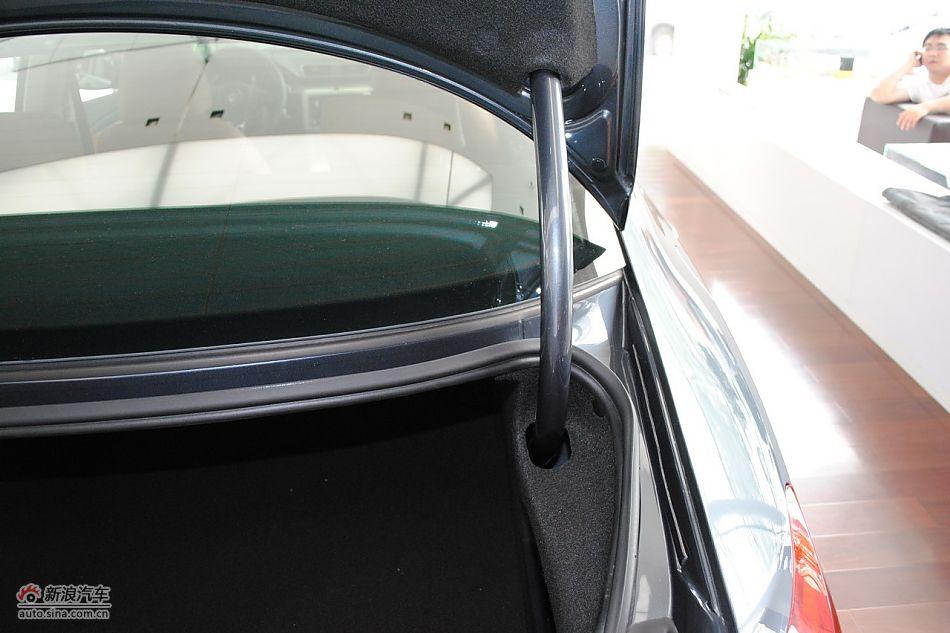 一汽大众CC发动机舱及悬挂实拍 大众CC图片318025高清图片