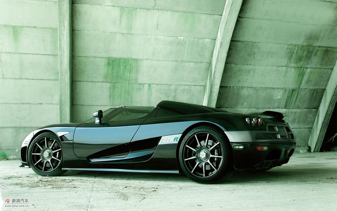 该车重1180公斤,而4.6升发动机最大功率806马力,扭矩920牛米.