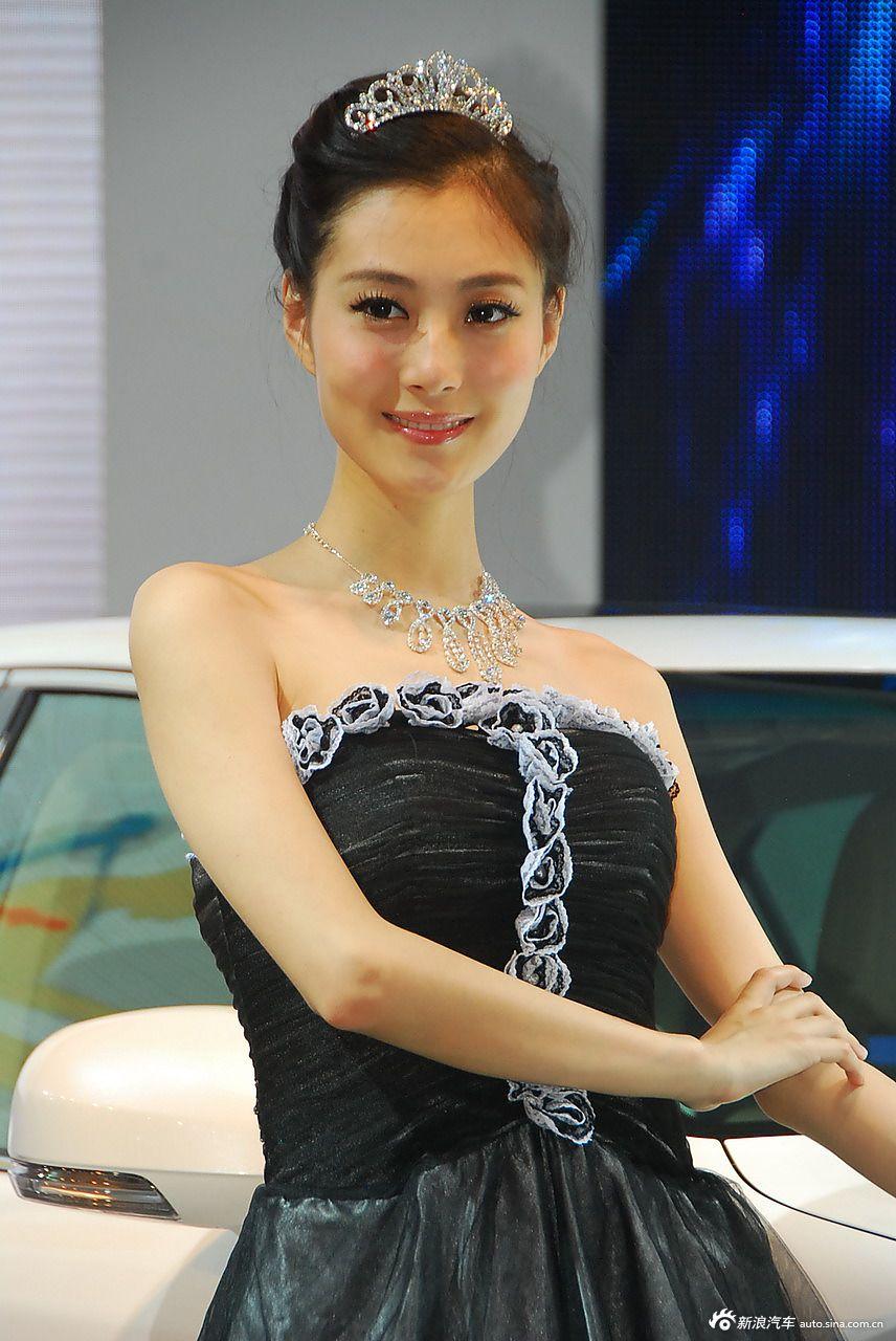 2012青岛车展美女高清图