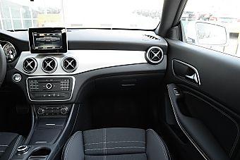2016款奔驰CLA级 CLA200 1.6T自动动感型