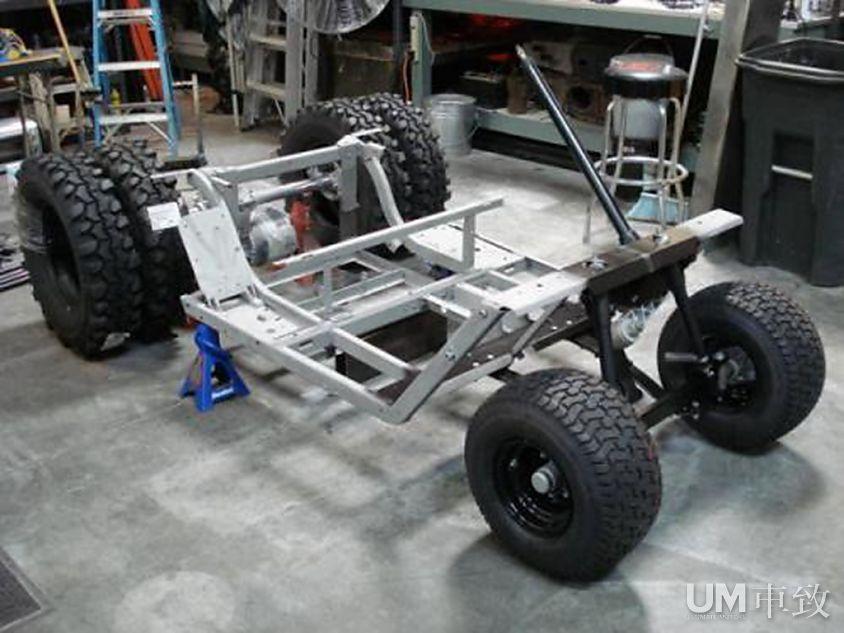 蝙蝠侠tumbler高尔夫球车17,500美金售出