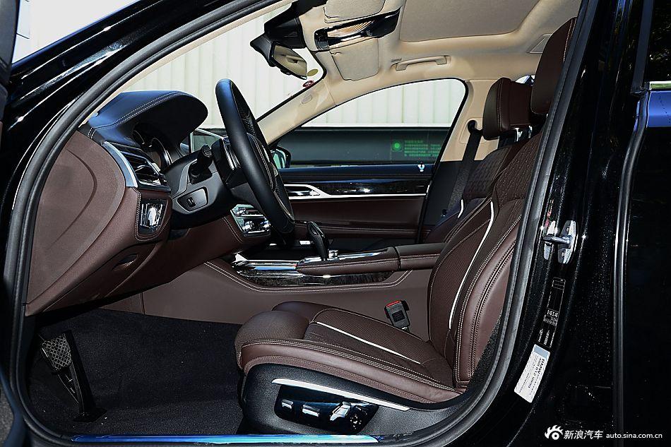 2017款宝马7系740Li 3.0T自动领先型