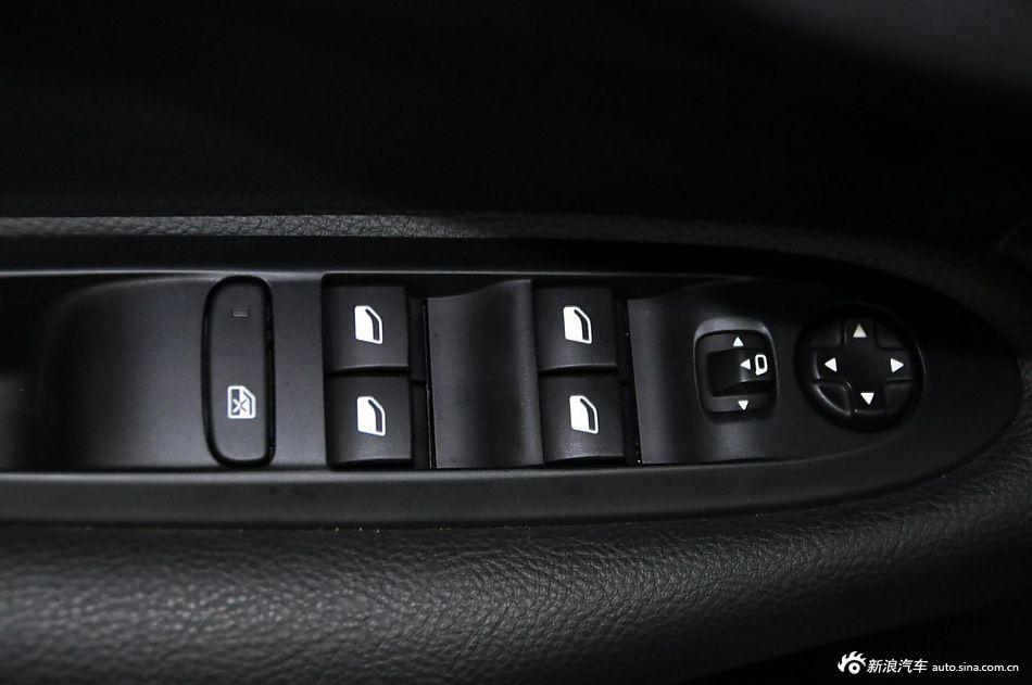 2013款雪铁龙C4L 1,8L手动劲享版