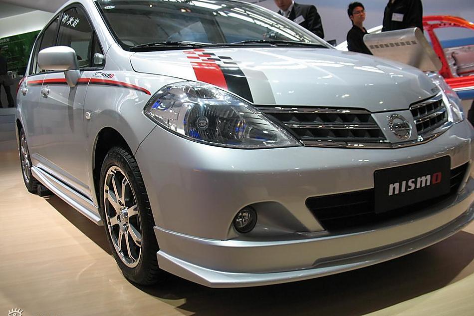 东风日产TIIDA NISMO运动版车展实拍图