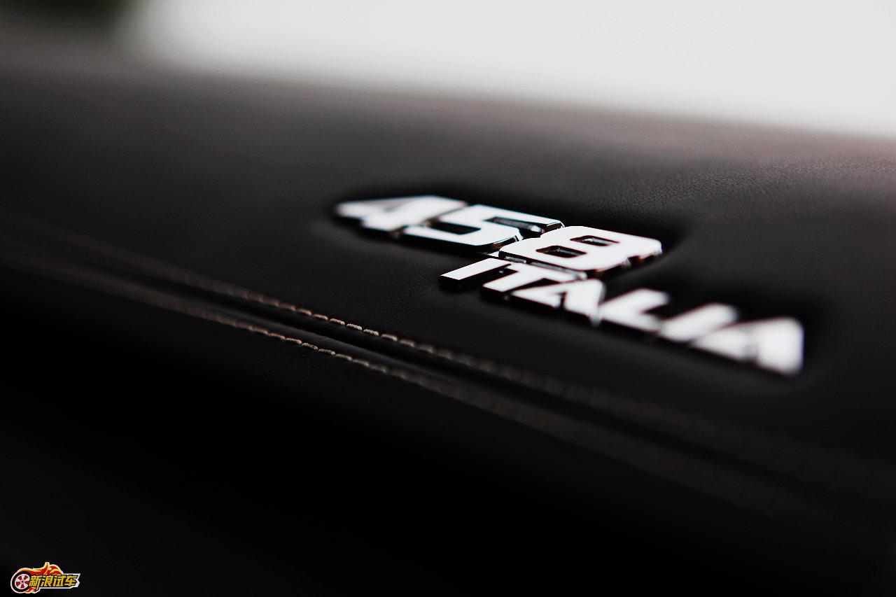 2010年北京国际车展将于4月23日至5月2日在位于北京顺义天竺工业园区的中国国际展览中心隆重举行(零部件展位于中国国际展览中心旧馆)。作为国内著名的车坛盛会之一,本次展会将有89款全球车首发,并且将有95台新能源车现场展示,成为车展新的亮点,总参展车数多达990台。 图中所示为:法拉利458 Italia