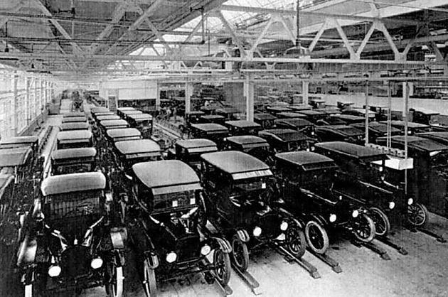 革新加冕 福特与通用的早期交锋