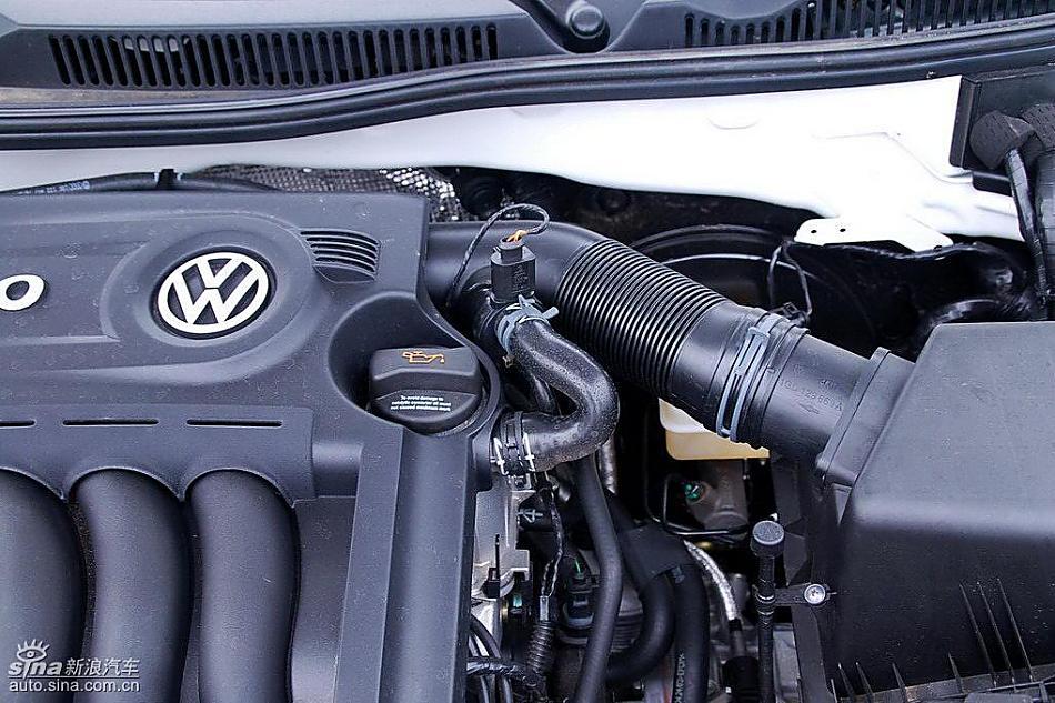 新宝来试车实拍图发动机细节图片