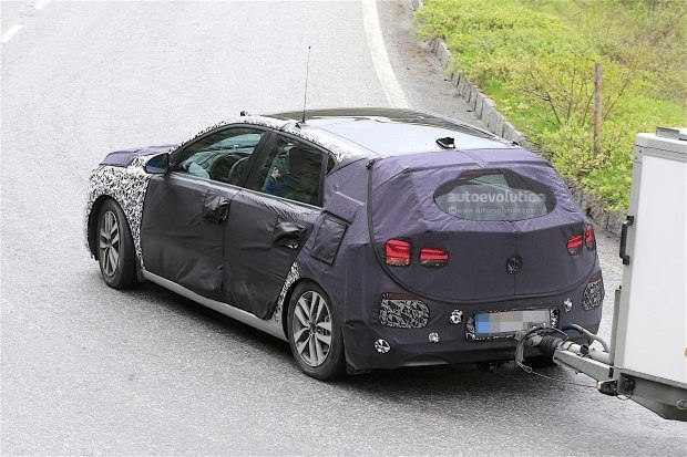 取消三门版车型 现代新i30巴黎车展亮相