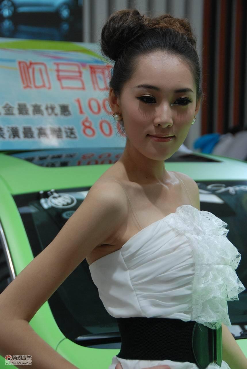 2011兰州车展美女模特高清图