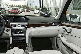 2015款奔驰E260L 2.0T自动