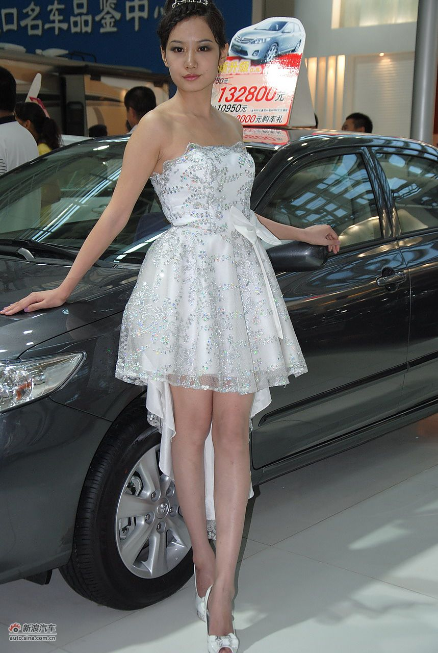 2011银川车展模特高清图图片
