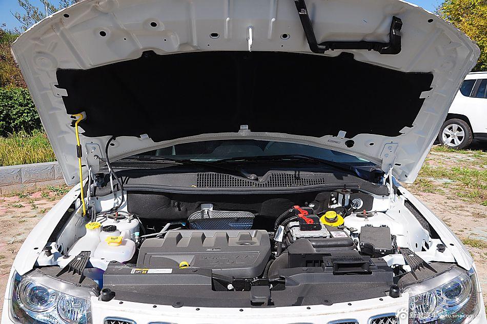 2015款指南者2.0L两驱豪华型