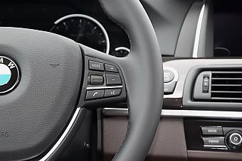 2017款宝马5系525Li 2.0T自动豪华设计套装