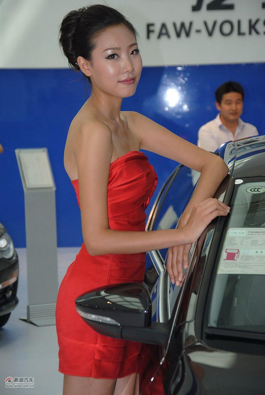 2011银川车展模特高清图(26/93)图片