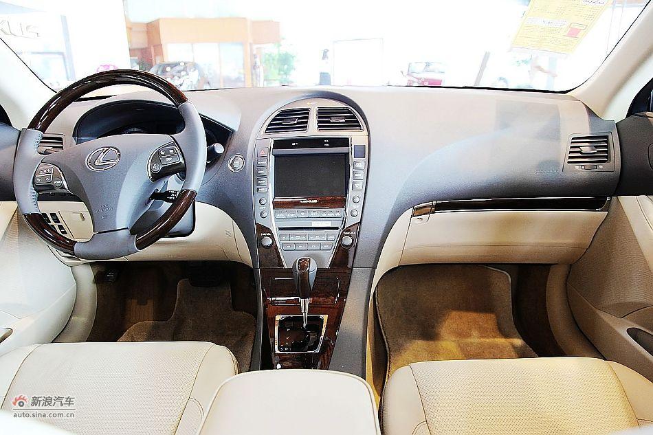 2010款雷克萨斯ES350尊贵版内饰图片