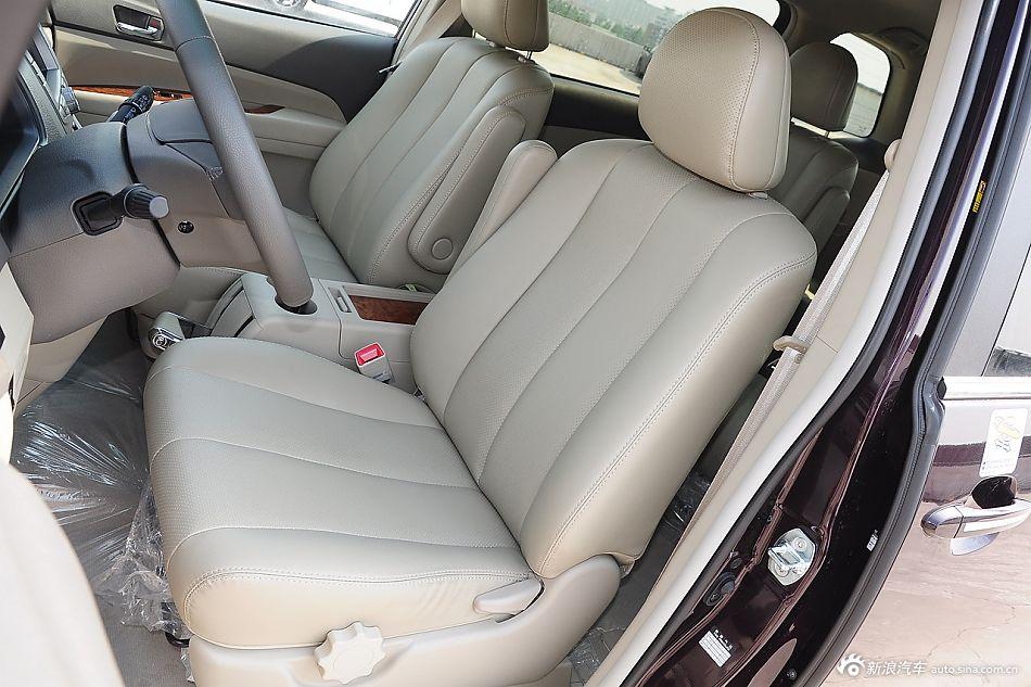 2015款比亚迪M6 2.4L自动豪华型